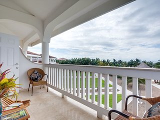 Three Bedroom Condo with Massive Pool and Beach Access!