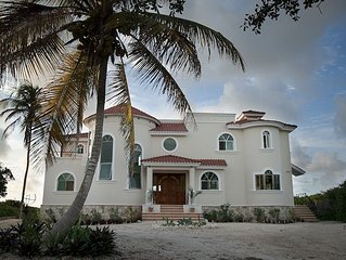'Villa La Siesta', as its name suggests, is to relax in Caribbean style...