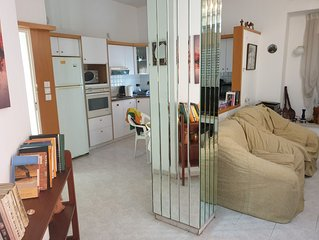 Sleeps 8--2 Unique Apts Joined Together - Near Beach-best Location