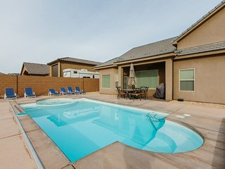 Adventure starts here - Private pool, Hot tub, explore the dunes, Play at the La