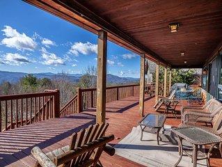 Mountain Home with Beautiful Views, Hot Tub, Pool Table, Foosball Table, King Su