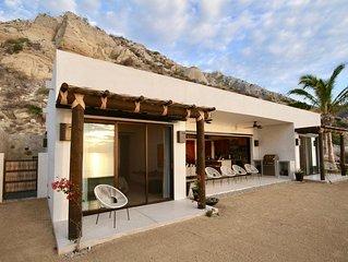 Beautiful Private Beachfront Casita