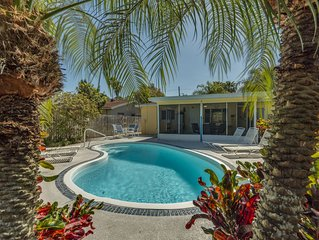 Gorgeous Margaritaville  Pool Home, 4 1/2 min walk to beach Nov/Dec Specials