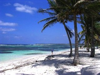 Secluded Beachfront Grand Cayman  Vacation Rental Condo The Laurelei