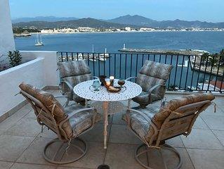 Puerto Las Hadas Oceanfront - Spacious 2 Bedroom