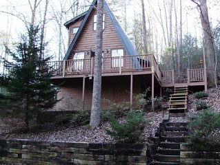 Bear View Cove - Secluded, But Near Activities, With Hot Tub!