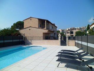 Charmant appartement dans villa proche mer à Mandelieu La Napoule ***
