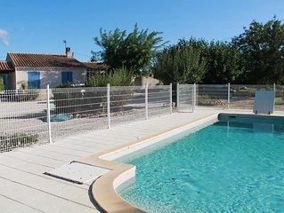 Belle villa 100m², en campagne au pied du Luberon entre mer et montagne.