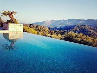 Maison avec vue panoramique mer et montagne