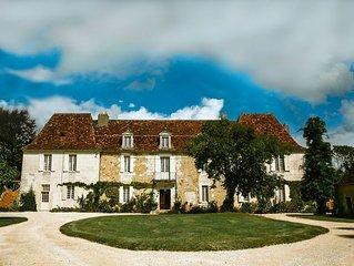 Château prestige XVIIIème 30 hectares Périgord Dordogne Bergerac