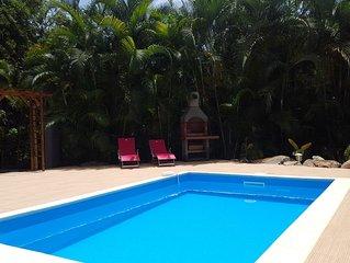 Villa Piscine privee , 4ch climatisees, 8 pers, foret Calme, proche Malendure