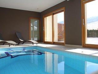 Appartement avec piscine interieure 34° hydromassage jaccuzi fitness maison