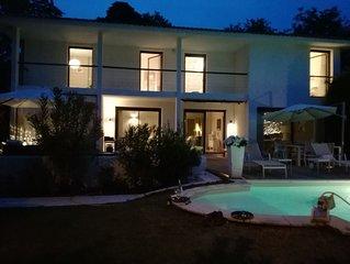 Villa contemporaine environ 220m2 piscine