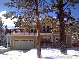 Luxury & Fun for everyone even pets! Hot tub, Pool Tbl,close to Ski,lake,kayaks