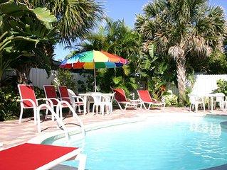Orange Blossom Beach Cottage, 2 bedroom, heated pool, sleeps 5