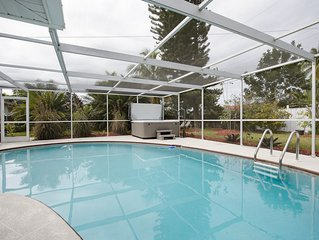 $99 Night, Private Bungalow Home w/Pool. 3 min to Bonita Beach
