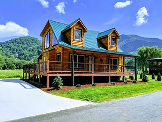 JUST BUILT! STUNNING LOG CABIN AWESOME VIEWS EASY ACCESS WIFI CABLE HBO