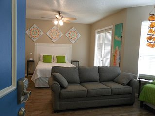 Great Location!  Search vrbo #712590 also.