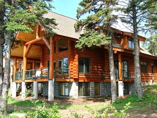 Luxury Lake Superior Log Home ~ Fantastic Lake View ~ Excellent Location!