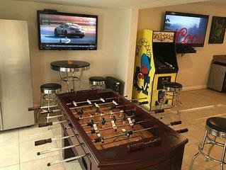⭐️⭐️⭐️⭐️⭐️ 6.5 BDRM Close to STRIP! Private Gated Family Fun Villa PROMO PRICING