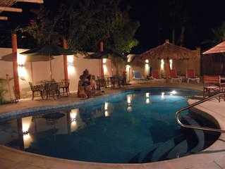 Paradise Villa - Landscaped Courtyard with Pool