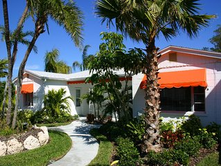 Clearwater Beach Cottage w/Heated Pool/Sleeps 2, fully equipped