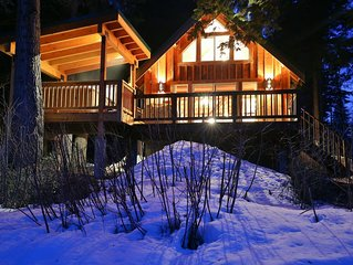 Osprey Nest Cabin:  Cozy private cabin on the Wenatchee River with Hot Tub