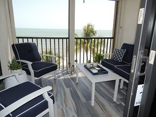 Sea La Vie is a breathtaking 2BR/2BA condo directly on the beach. Mid Island FMB