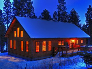 Secluded Pines Cabin in the Black Hills - Romantic Getaway