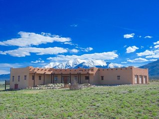 Hacienda Vista - 4 bedroom on 40 acres only 5 minutes from town!