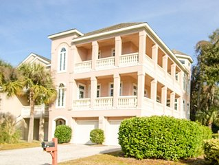 New Listing!  Close To The Beach With Elevator & Lagoon View - Sleeps 17 In Beds