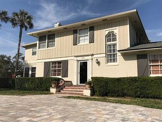 25% SPECIAL - 6 Bdrm spacious home only 1/2 ml from  PV Inn & Club