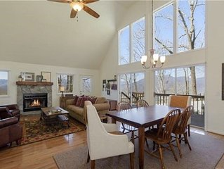 Majestic Mountain Lodge entire home with gorgeous mountain views, super clean!