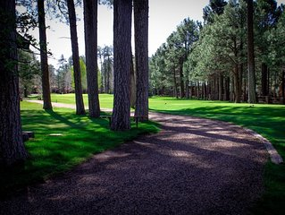 Newly remodeled, fully furnished condo located near Pinetop Country Club