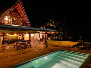 JUNGLE PARADISE! - Private Surf/Yoga Luxury Home - 5 min walk to surf/yoga