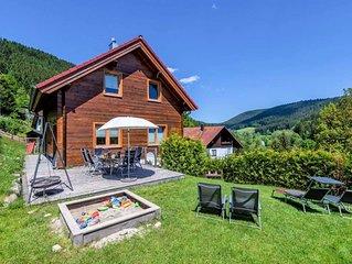 Traum Ferienhaus Fronwald: Sauna, Whirlpool, Kamin, Spielplatz, Garten, BBQ, WLA
