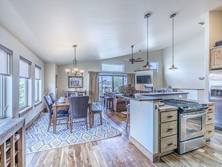 Gorgeous 3 bed/2.5 bath located in Tabernash, 10 minutes from Winter Park.