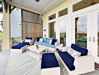 Grand Waterfront Retreat in the Reserve at St. Charles Bay - Boardwalk & Pool