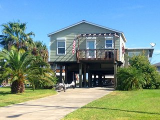 Great 3/2 Sleeps 6 Canal Home in Jamaica Beach