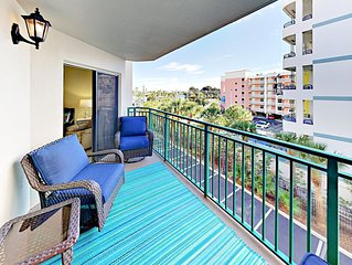 Fall Savings! Sunny 2BR on Saint Pete Beach w/ Gulf-View Balcony, Pool & Spa