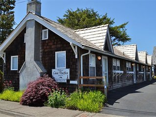 1Bd/1Ba Charming! – Only Steps to the Promenade and Beach