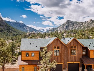 Rocky Mountain Views and Walking Distance to Downtown