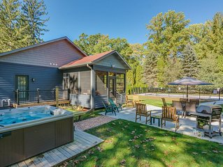 Four Bedroom House with Private Pool, Hot Tub and Fire Pit