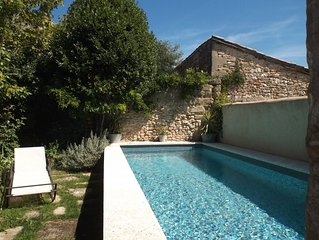 Grand mas de village, piscine, terrain 700 m2