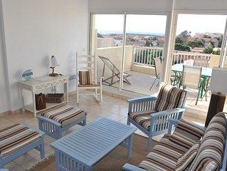 Pavillon avec terrasse vue mer et piscine dans residence