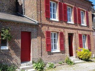 Virgule en B, maison de charme rénovée au coeur de St Valery sur S. avec garage