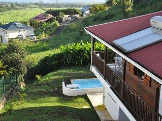 Très belle villa pour 6 à 10 personnes avec piscine et vue mer