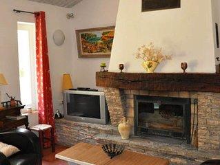 La Pommerie, très beau gîte au cœur du Luberon, dans le village de Castellet