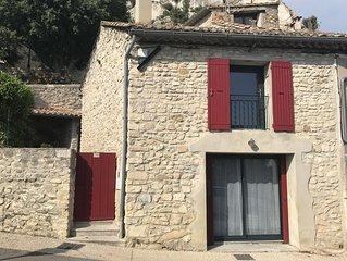 Maison de caractère au cœur du village de Seguret