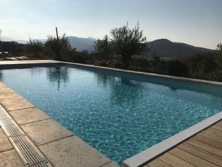 Belle maison - 7 chambres - piscine chauffee & vue mer a 1km de la plage